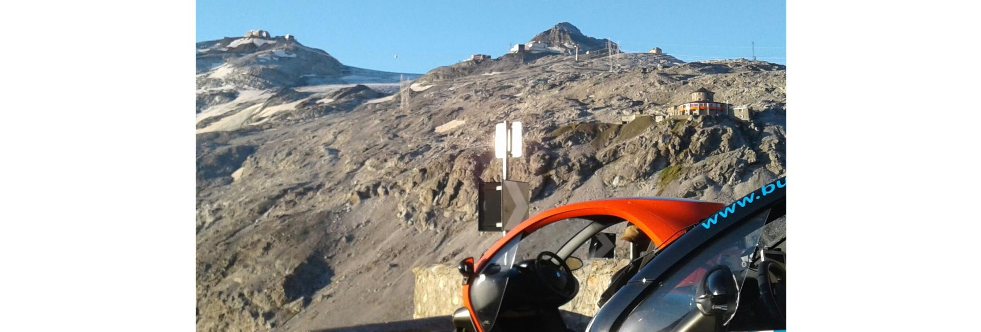 Twizy vor Alpen